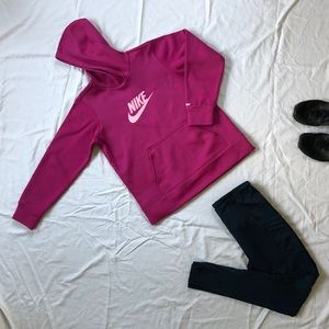 Nike Fleece-lined Thermafit Athletic Sweatshirt
